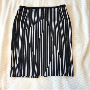 Black and White Stretchy H&M Pencil Skirt Size 6